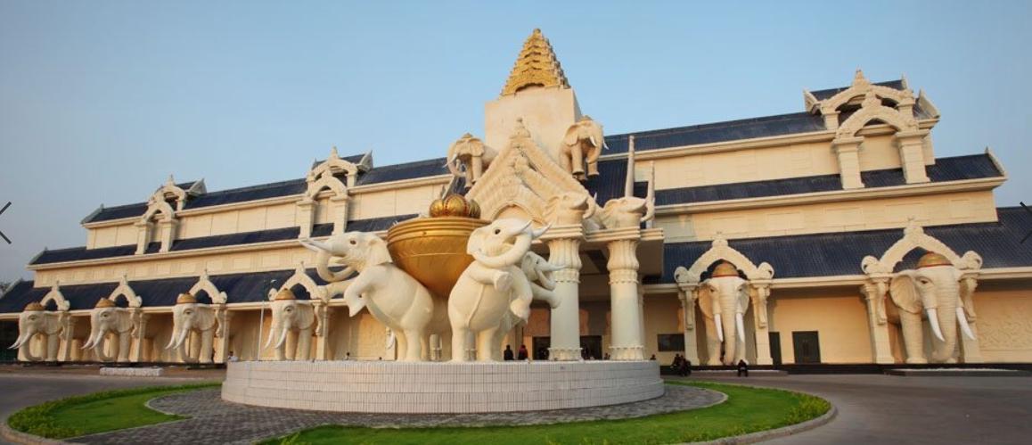 Savan Vegas Hotel & Casino สะหวันเวกัส โรงแรม คาสิโนลาว